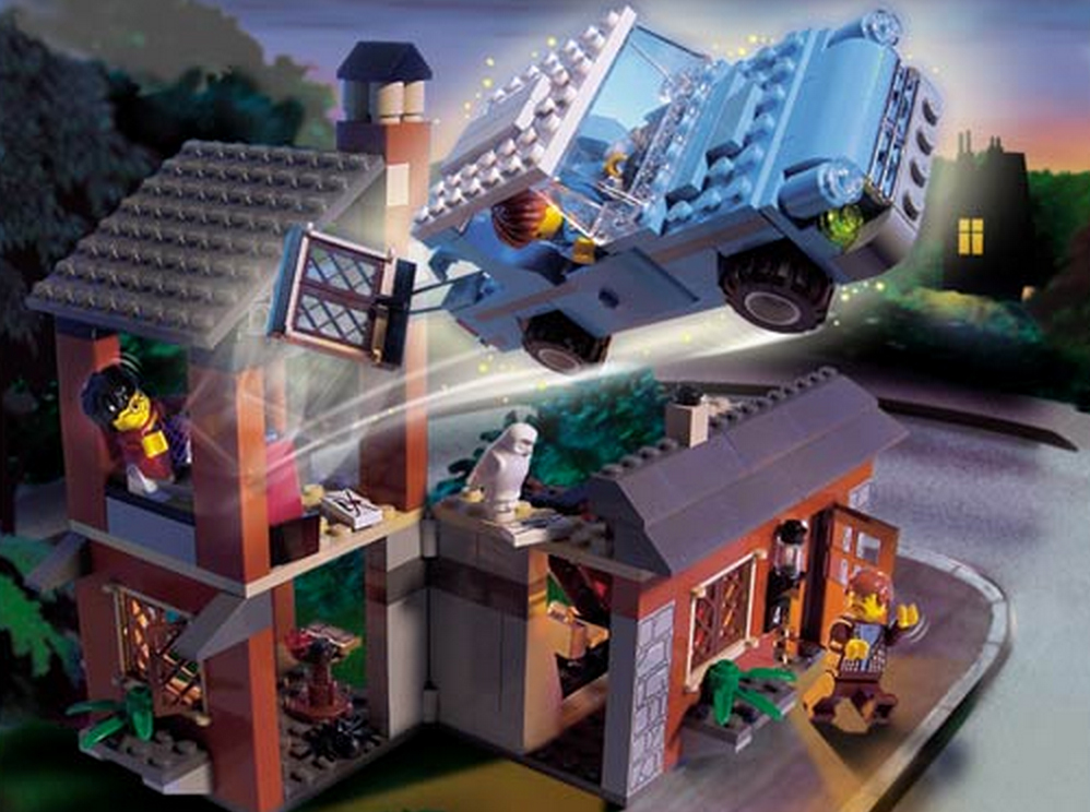 Escape from Privet Drive (4728) (Image: Brickset.com)